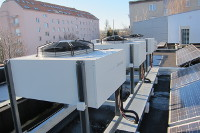 outdoor units of cascade of three heat pumps Sinclair S-Therm+